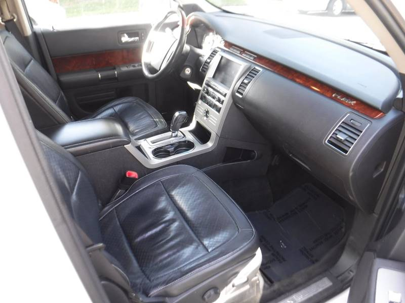 2010 Ford Flex Limited (image 14)