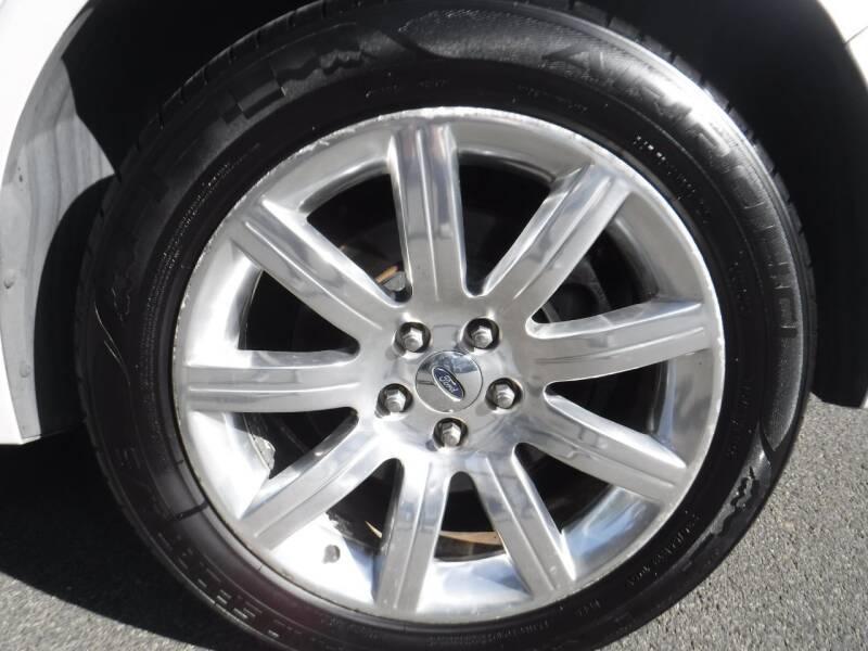 2010 Ford Flex Limited (image 16)