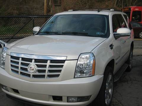 2009 Cadillac Escalade for sale at B. Fields Motors, INC in Pittsburgh PA