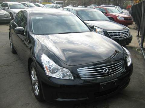 2007 Infiniti G35X for sale at B. Fields Motors, INC in Pittsburgh PA