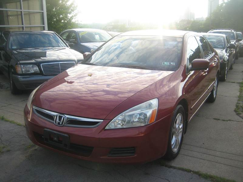 2007 Honda Accord for sale at B. Fields Motors, INC in Pittsburgh PA