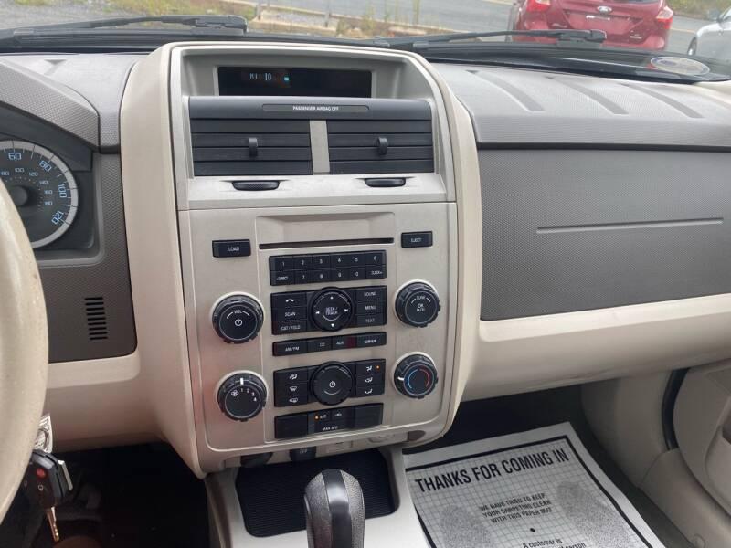 2011 Ford Escape AWD XLT 4dr SUV - Fredericksburg PA