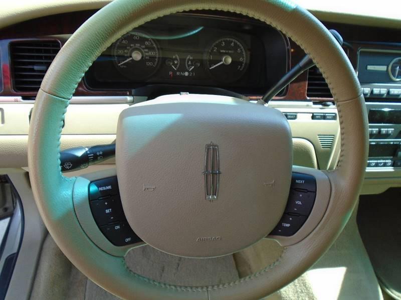 2006 Lincoln Town Car Signature 4dr Sedan - Mesa AZ