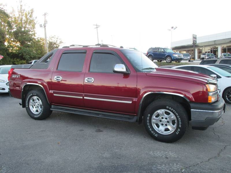 2005 Chevrolet Avalanche for sale at Henderson Auto Sales in Poplar Bluff MO