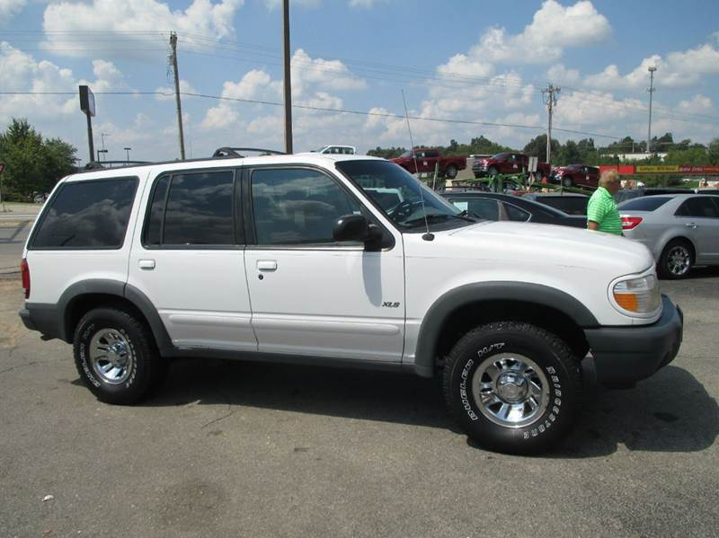2000 Ford Explorer for sale at Henderson Auto Sales in Poplar Bluff MO