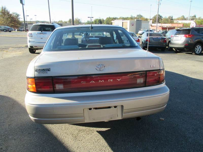 1992 Toyota Camry for sale at Henderson Auto Sales in Poplar Bluff MO
