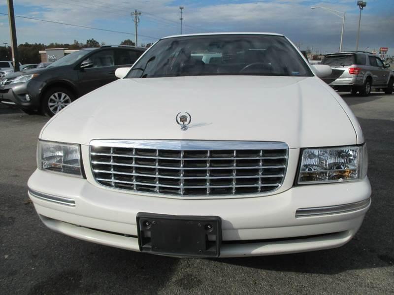 1998 Cadillac DeVille for sale at Henderson Auto Sales in Poplar Bluff MO