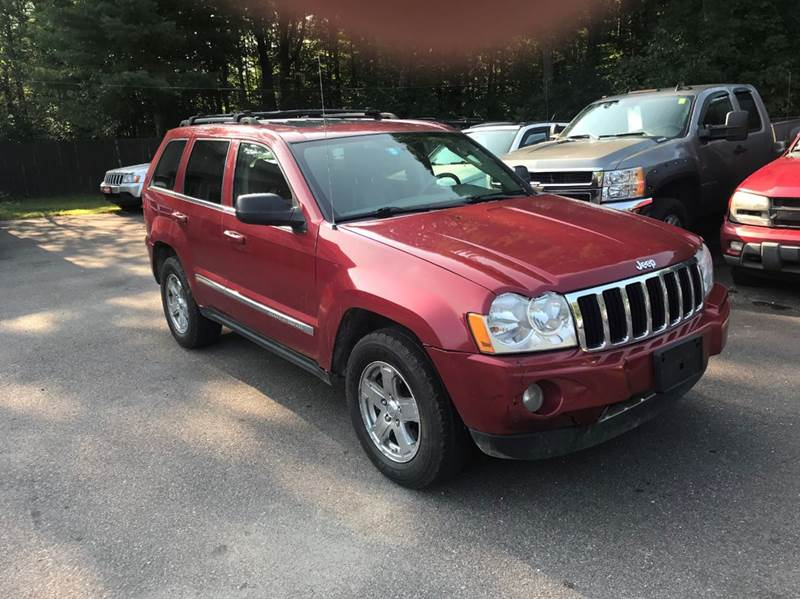 2005 Jeep Grand Cherokee for sale at Hartley Auto Sales & Service in Milton VT