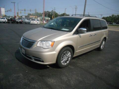 2015 Chrysler Town and Country for sale at Windsor Auto Sales in Loves Park IL