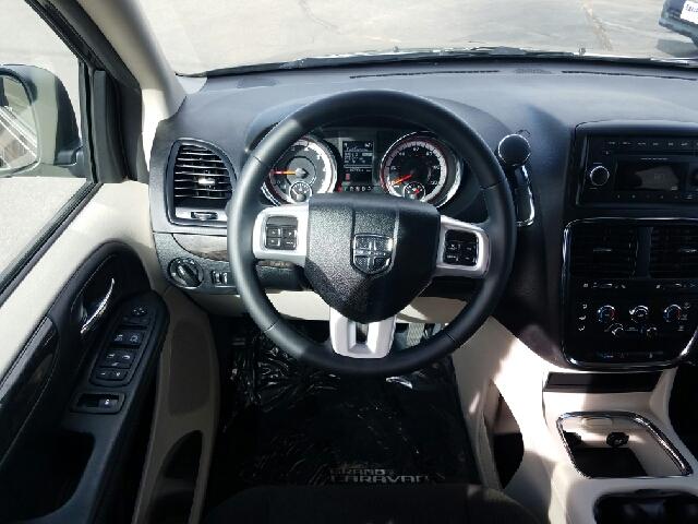 2016 Dodge Grand Caravan SXT Plus 4dr Mini-Van - Salida CO
