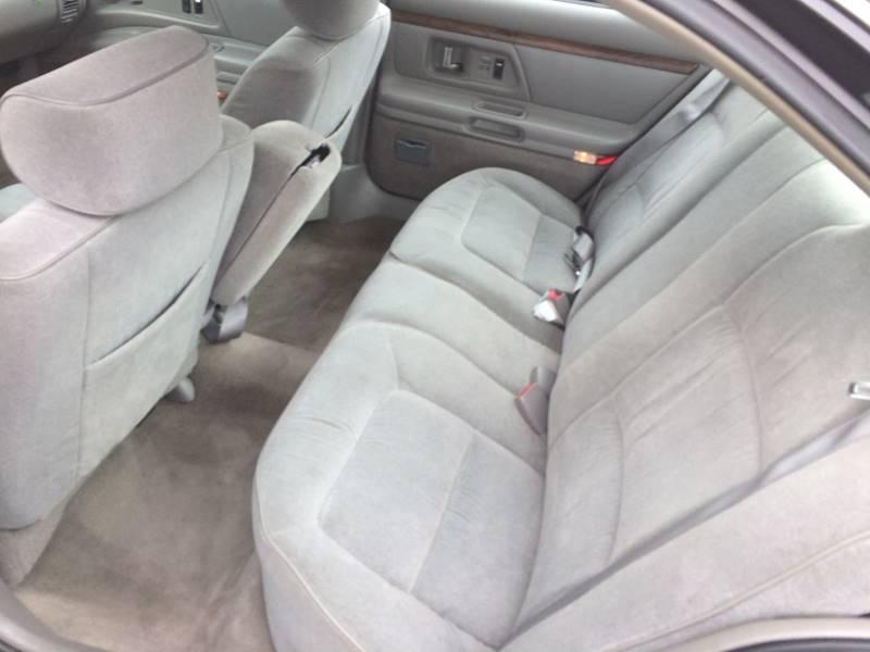 1998 Oldsmobile Eighty-Eight LS 4dr Sedan - Rockford IL