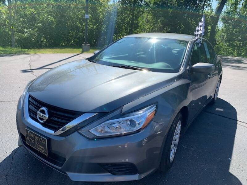 2017 Nissan Altima for sale at Lighthouse Auto Sales in Holland MI