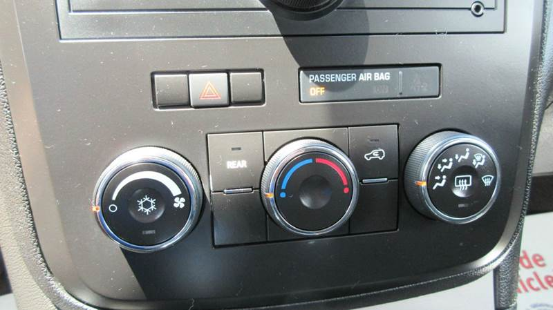 2009 Saturn Outlook AWD XE 4dr SUV - Lapeer MI