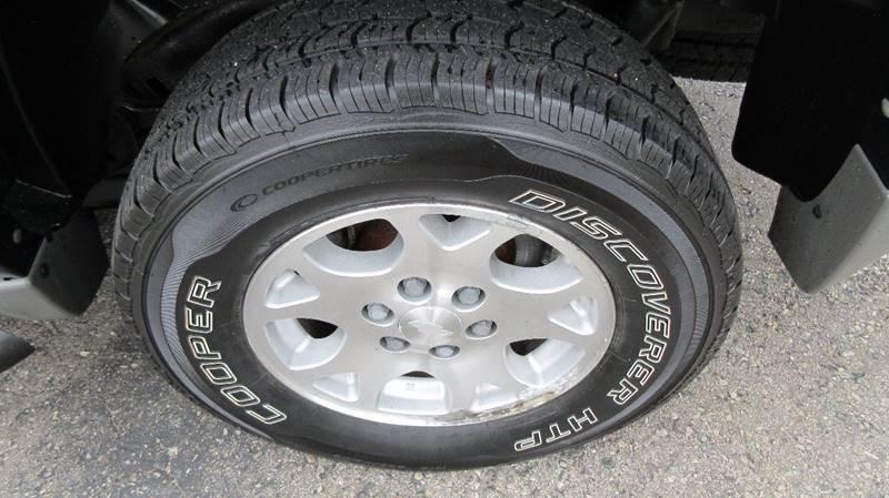 2003 Chevrolet Tahoe LT 4WD 4dr SUV - Lapeer MI