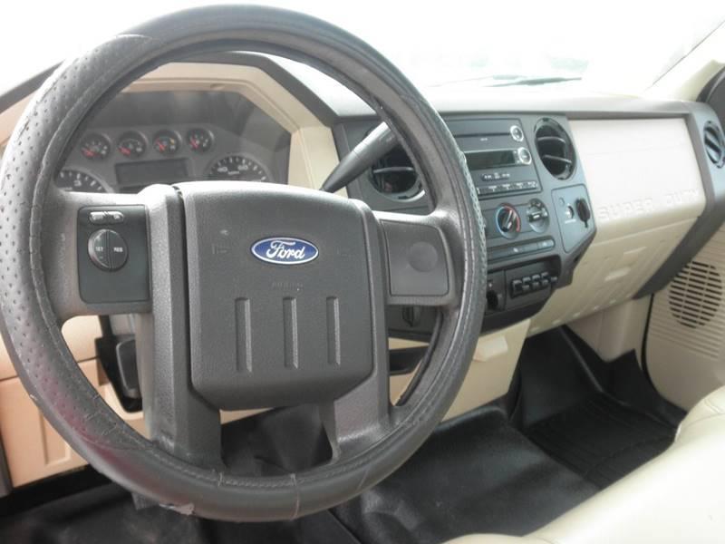2010 Ford F-250 Super Duty 4x4 XL 2dr Regular Cab 8 ft. LB Pickup - Lexington TN