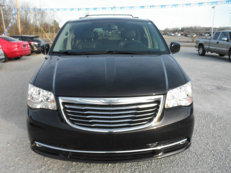 2015 Chrysler Town and Country Touring 4dr Mini-Van - Lexington TN