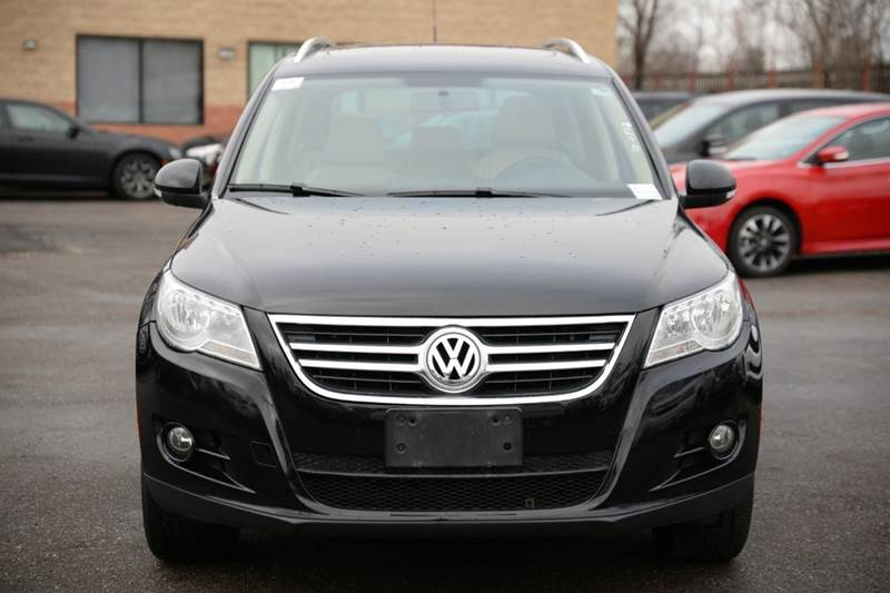 2009 Volkswagen Tiguan for sale at Car Source in Detroit MI