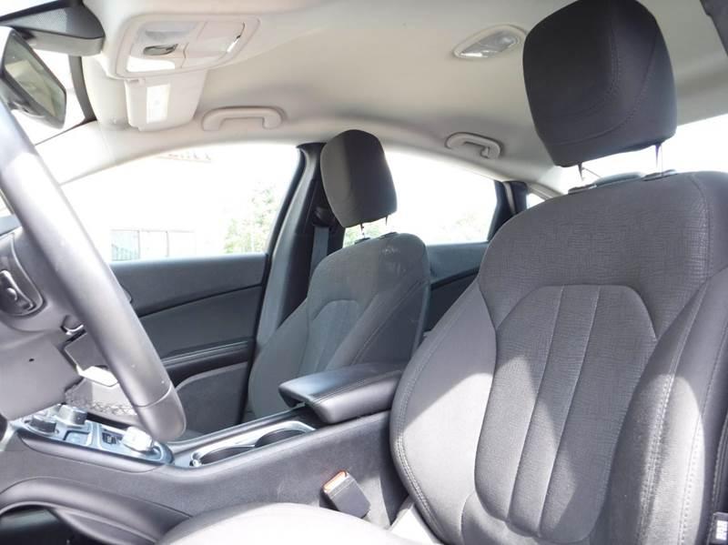 2016 Chrysler 200 for sale at Car Source in Detroit MI