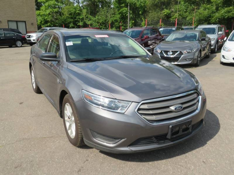 Car Source Detroit >> Detroit Used Car For Sale 2014 Ford Taurus 48203 At Car