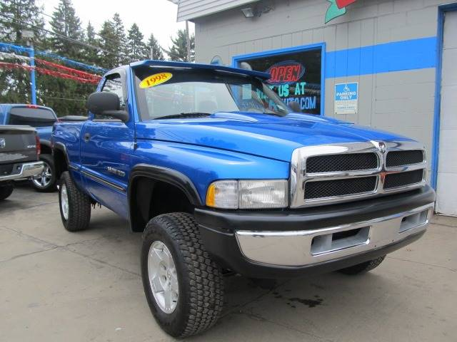 1998 dodge ram pickup 1500 st 2dr 4wd standard cab sb in erie pa bizzarro s fleetwing auto sales. Black Bedroom Furniture Sets. Home Design Ideas