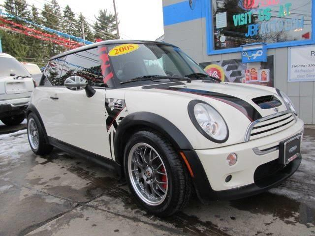 2005 mini cooper s 2dr supercharged hatchback in erie pa bizzarro s fleetwing auto sales. Black Bedroom Furniture Sets. Home Design Ideas