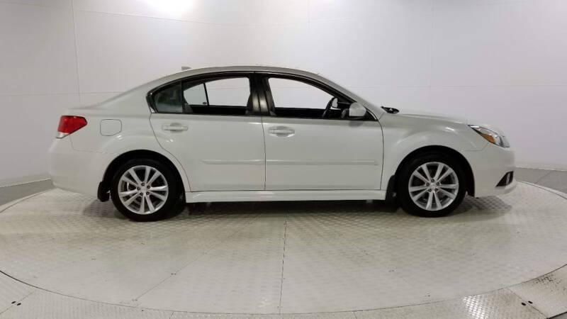 2013 Subaru Legacy 2.5i Limited (image 6)