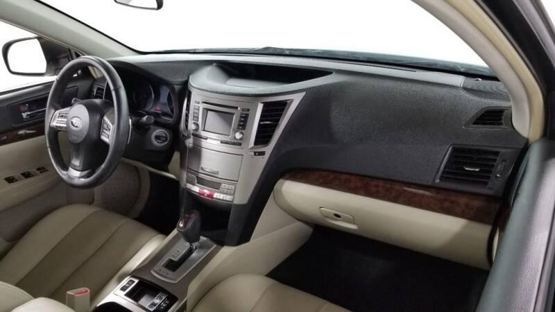 2013 Subaru Legacy 2.5i Limited (image 40)