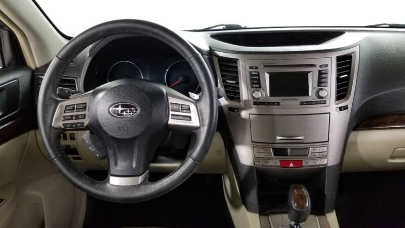 2013 Subaru Legacy 2.5i Limited (image 32)