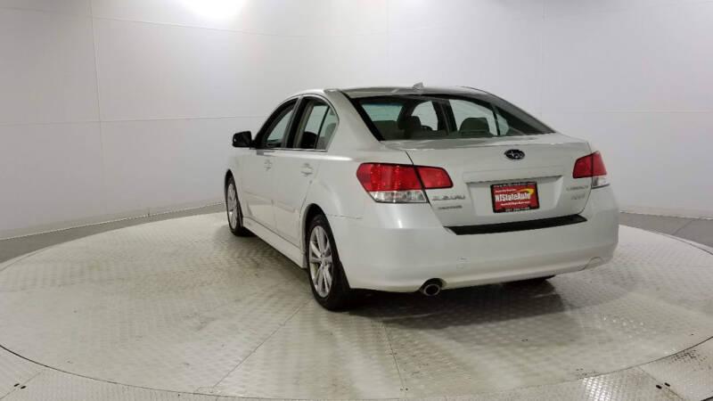 2013 Subaru Legacy 2.5i Limited (image 3)