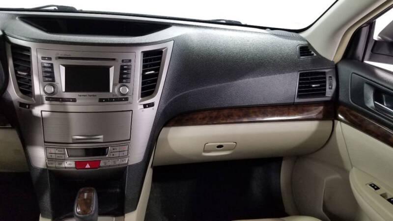 2013 Subaru Legacy 2.5i Limited (image 33)