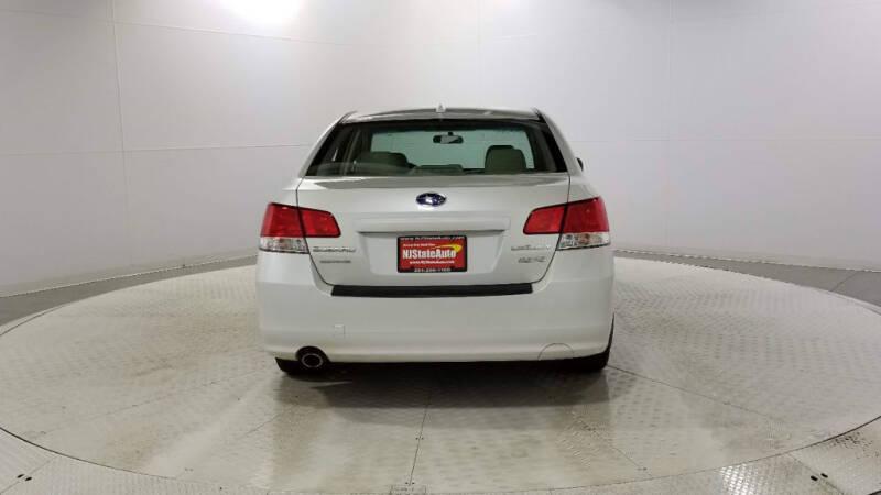 2013 Subaru Legacy 2.5i Limited (image 4)