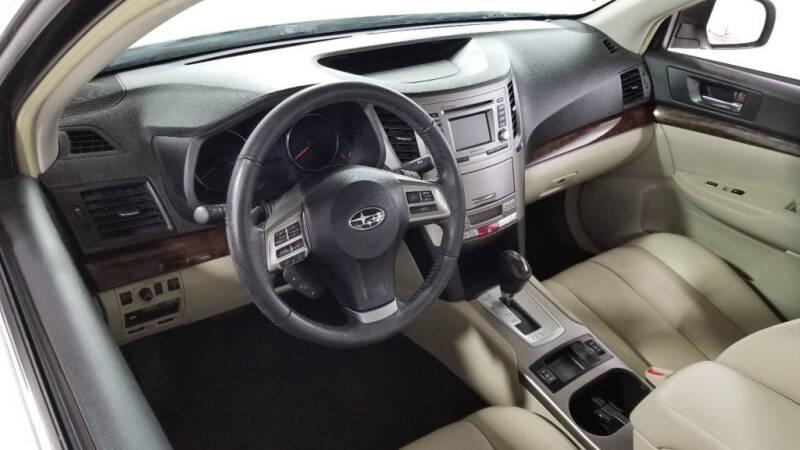 2013 Subaru Legacy 2.5i Limited (image 11)