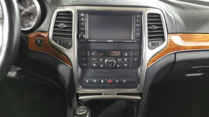 2012 Jeep Grand Cherokee (image 33)