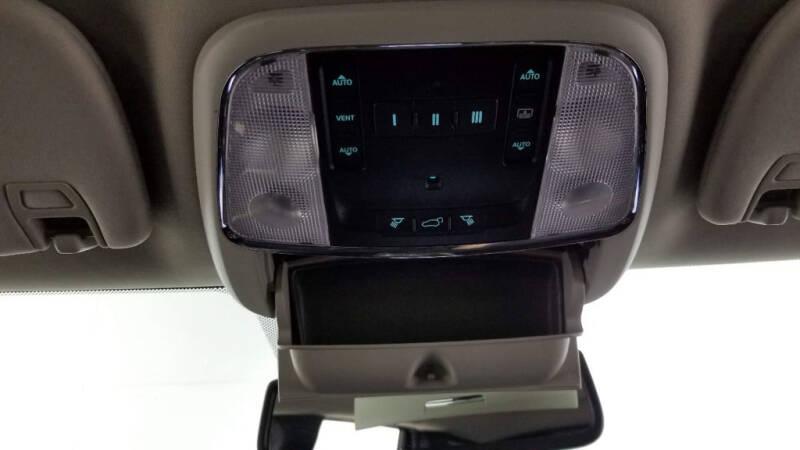 2012 Jeep Grand Cherokee (image 25)