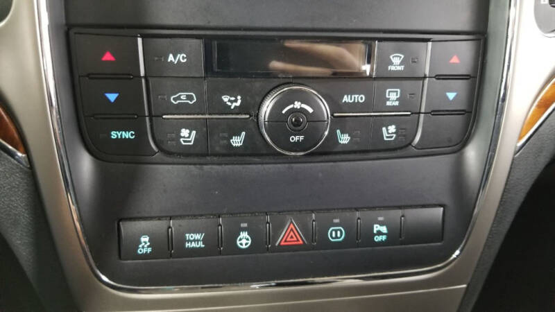 2012 Jeep Grand Cherokee (image 19)