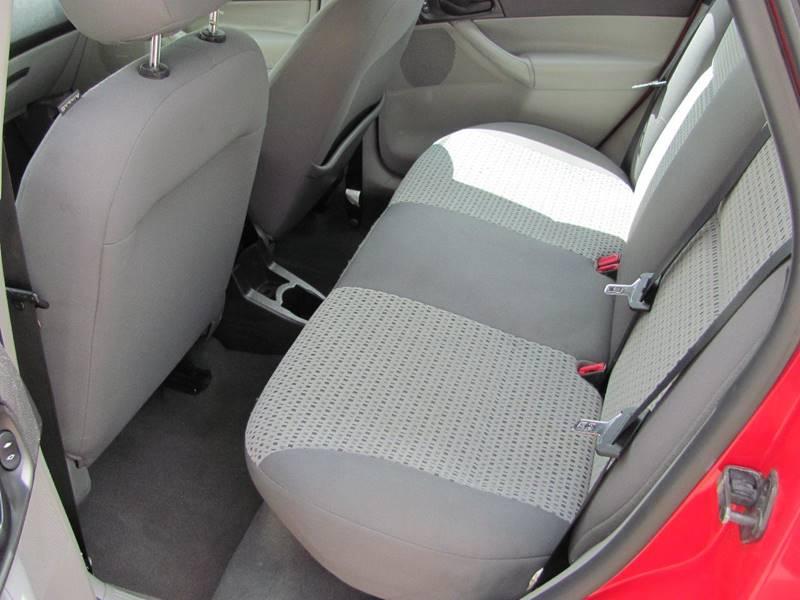 2007 Ford Focus ZX4 SES 4dr Sedan - Holland MI