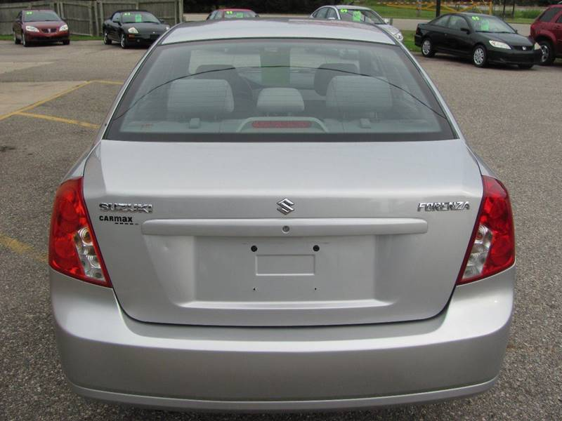2008 Suzuki Forenza 4dr Sedan w/Convenience Package (2L I4 4A) - Holland MI