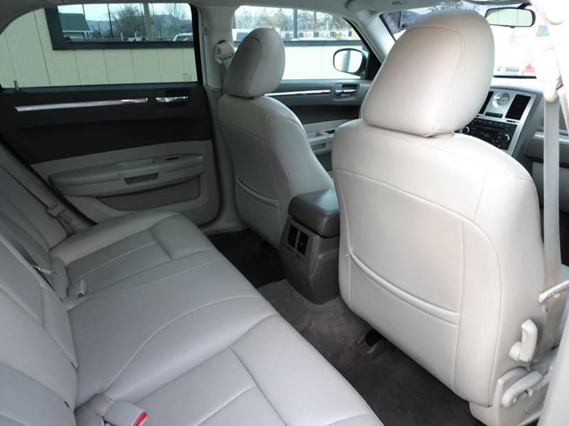 2009 chrysler 300 touring 4dr sedan in yakima wa bbl auto sales. Black Bedroom Furniture Sets. Home Design Ideas