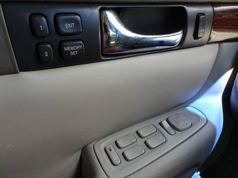 2004 cadillac seville sls 4dr sedan in yakima wa bbl auto sales. Black Bedroom Furniture Sets. Home Design Ideas