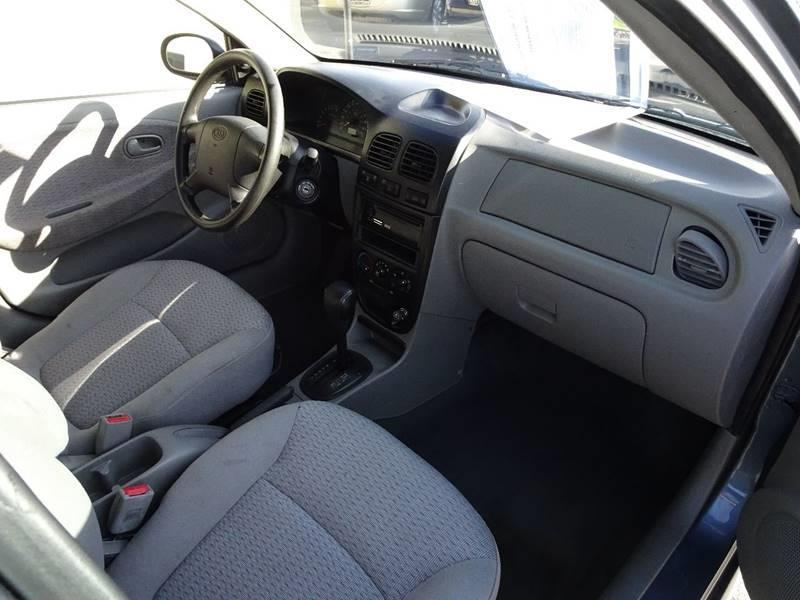 2002 kia rio 4dr sedan in yakima wa bbl auto sales. Black Bedroom Furniture Sets. Home Design Ideas