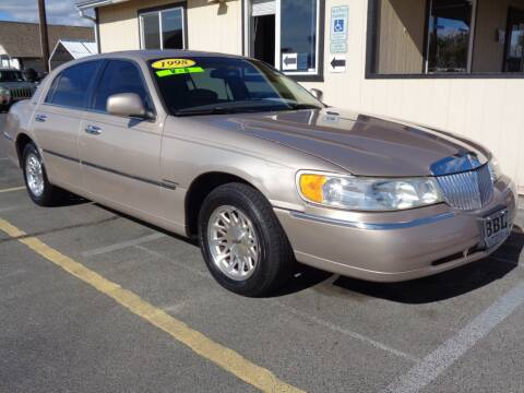 1998 Lincoln Town Car for sale at BBL Auto Sales in Yakima WA