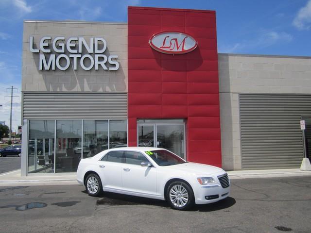 2013 Chrysler 300  Miles 74697Color WHITE Stock 7636C VIN 2C3CCAKT2DH564532