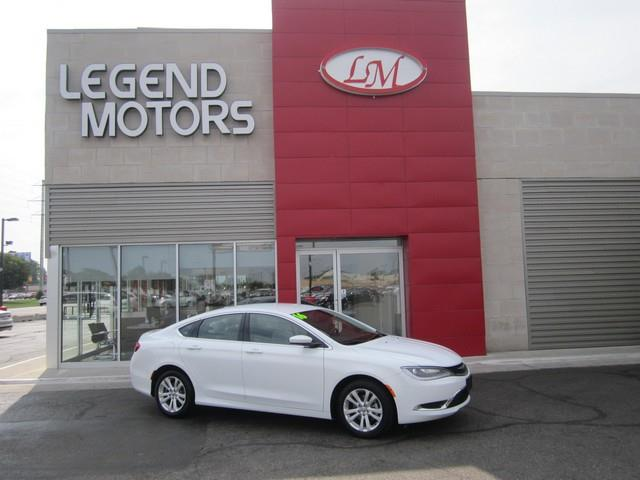 2016 Chrysler 200  Miles 36413Color WHITE Stock 7662C VIN 1C3CCCAB0GN106505