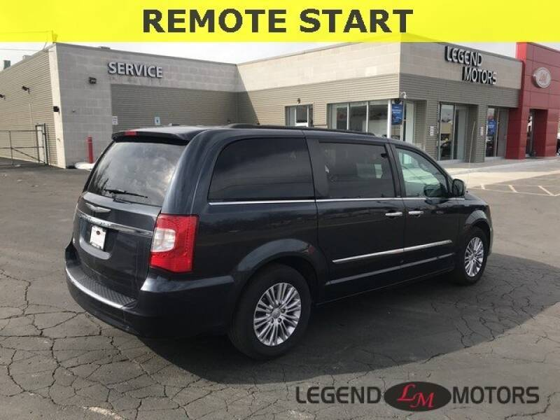 2013 Chrysler Town & Country Detroit Used Car for Sale