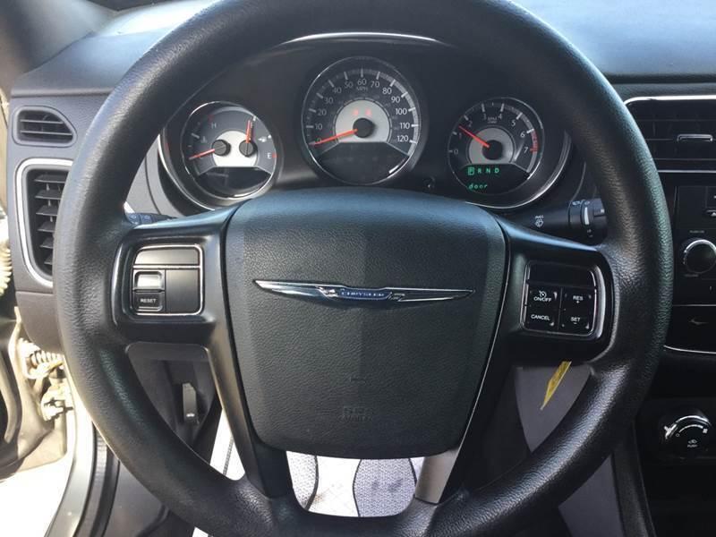 2012 Chrysler 200 Detroit Used Car for Sale