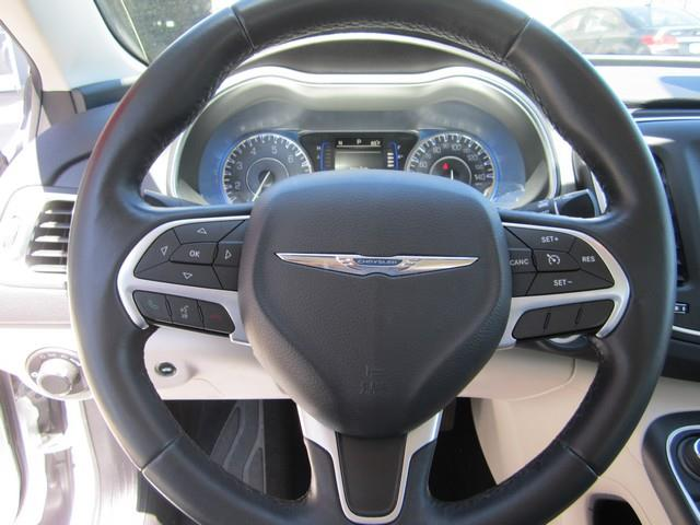 2016 Chrysler 200 LIMITED - Ferndale MI