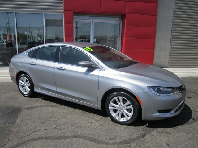 2015 Chrysler 200 Limited 4dr Sedan - Ferndale MI