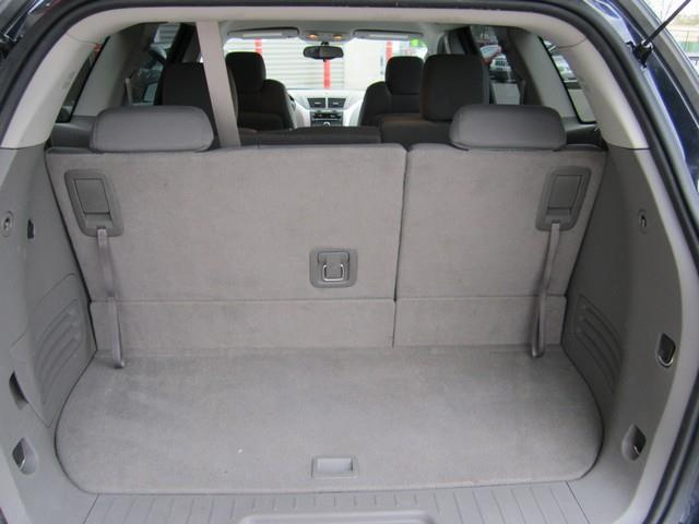 2011 Chevrolet Traverse AWD LS 4dr SUV - Ferndale MI