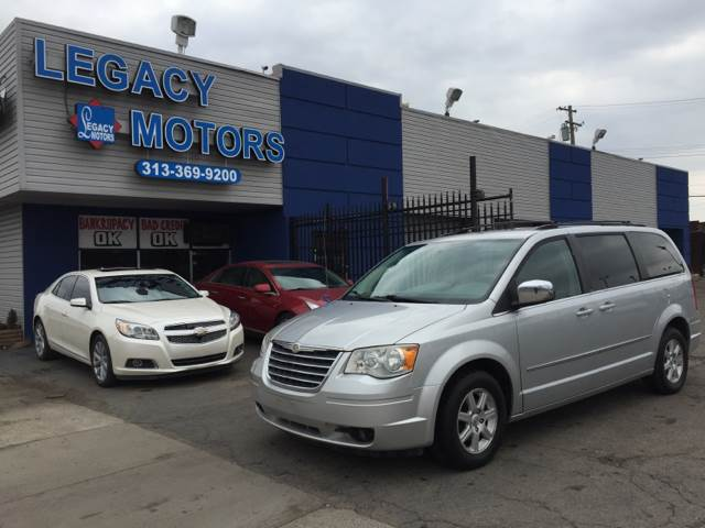 2010 Chrysler Town & Country car for sale in Detroit