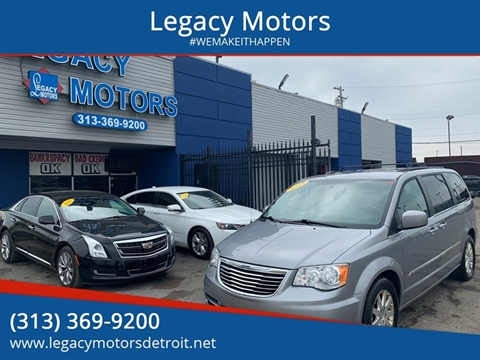 2014 Chrysler Town and Country for sale in Detroit, MI